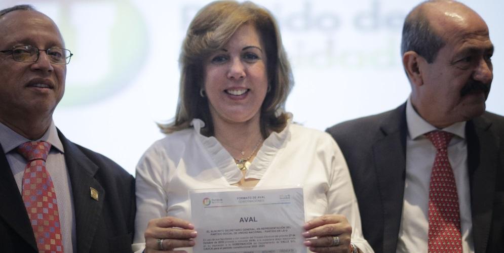 En medio de aplausos, Clara Luz Roldán recibió el aval del Partido de la U