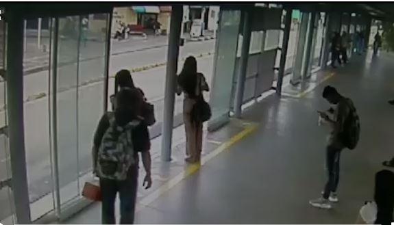 Cogieron a ladrón de celulares en el MIO, dicen que los robos en el sistema han disminuido