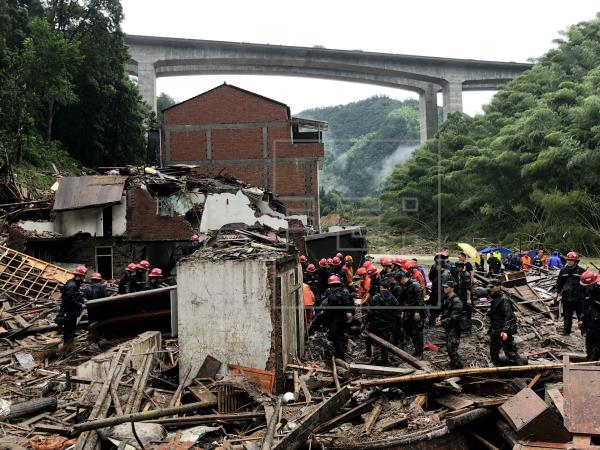Video: El tifón Lekima deja 44 muertos en China