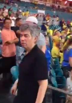Un paisa insultó a Daniel Coronell y Felix de Bedout en pleno partido de Colombia