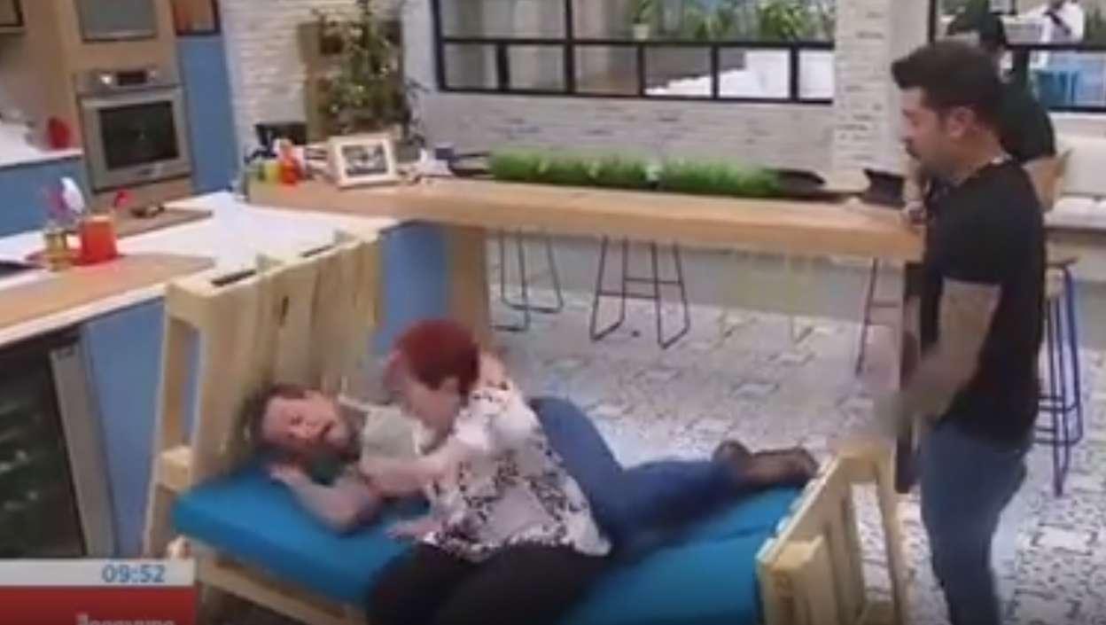 Famosa de RCN rompió una cama cuando iba a acostarse en