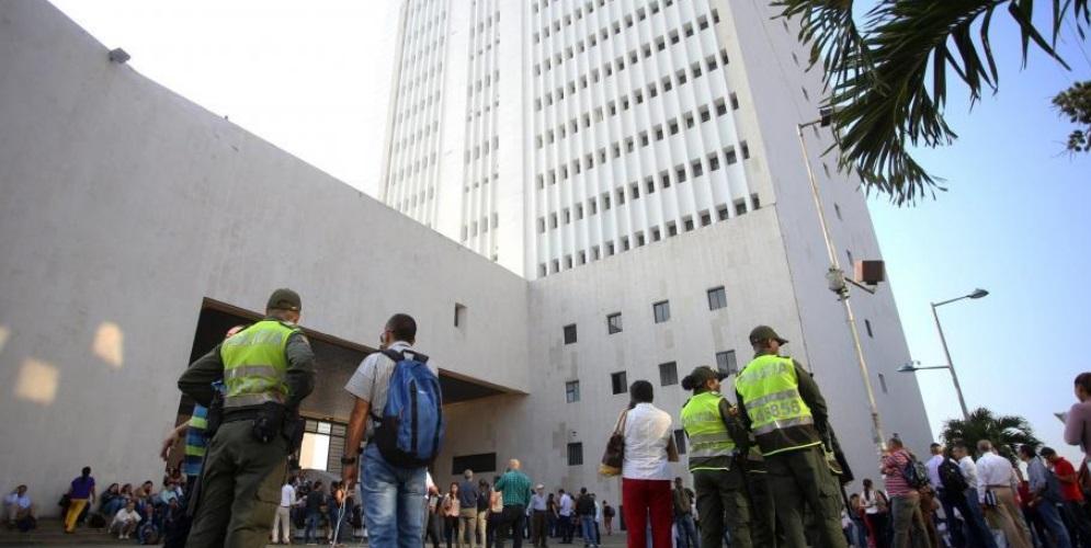 'Pelotera' en el Palacio de Justicia tras una audiencia