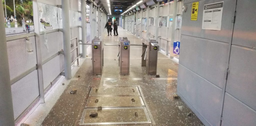 Movilidad de los caleños afectada tras vandalismo contra el MIO