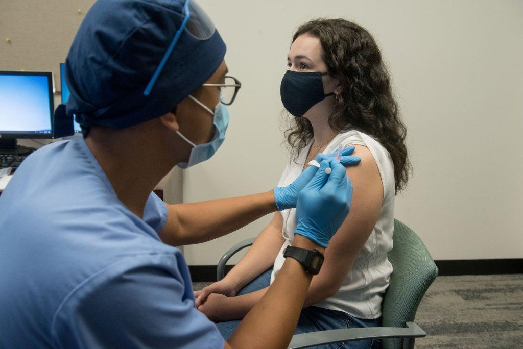 Vacuna de Moderna muestra 94,5% de eficacia contra el Covid-19
