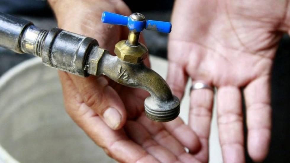 suspensión de agua