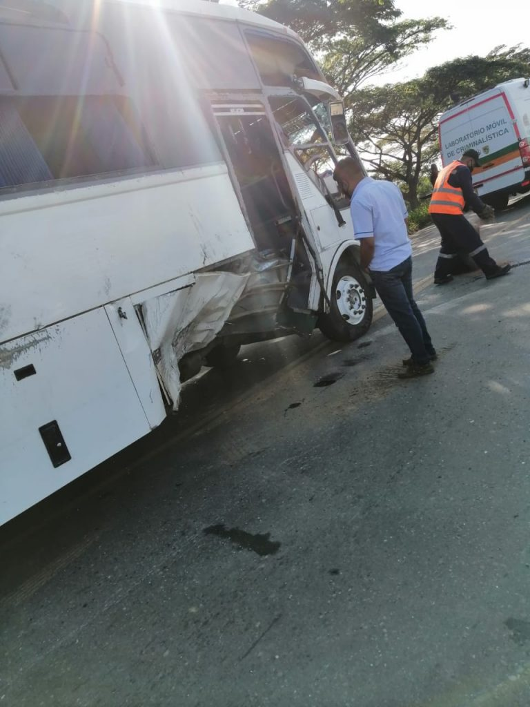 ¡Fotos y video! Tres muertos en terrible accidente entre Jamundí y Villa Rica