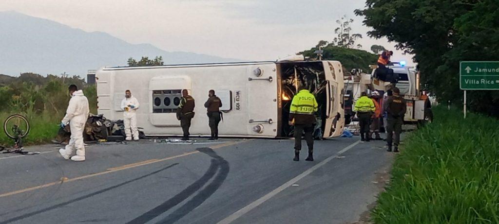 ¡Fotos! Tres muertos en terrible accidente entre Jamundí y Villa Rica