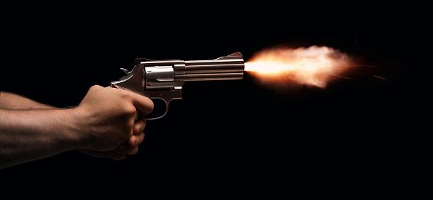 cruce de disparos con la Policía
