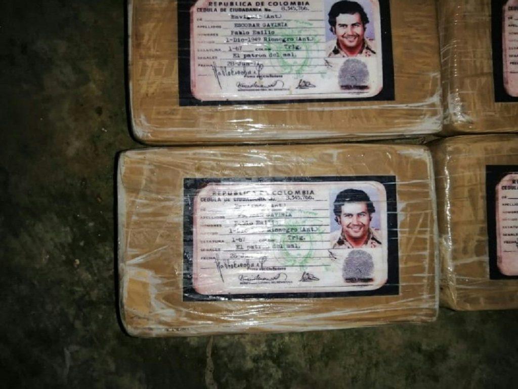 Marcaban su droga con la cédula de Pablo Escobar