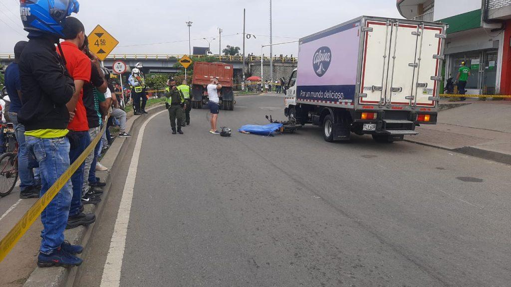 Motociclista murió arrollada en Alfonso López