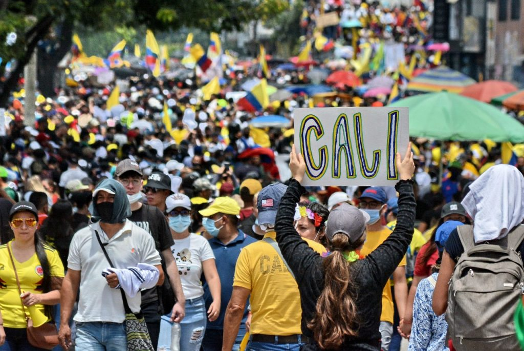1 de mayo: Multitudinaria movilización pacífica recorre las calles de Cali