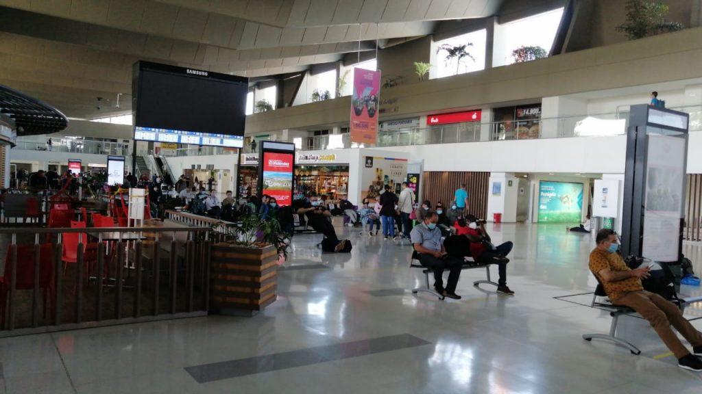Avianca suspendió vuelos en Cali