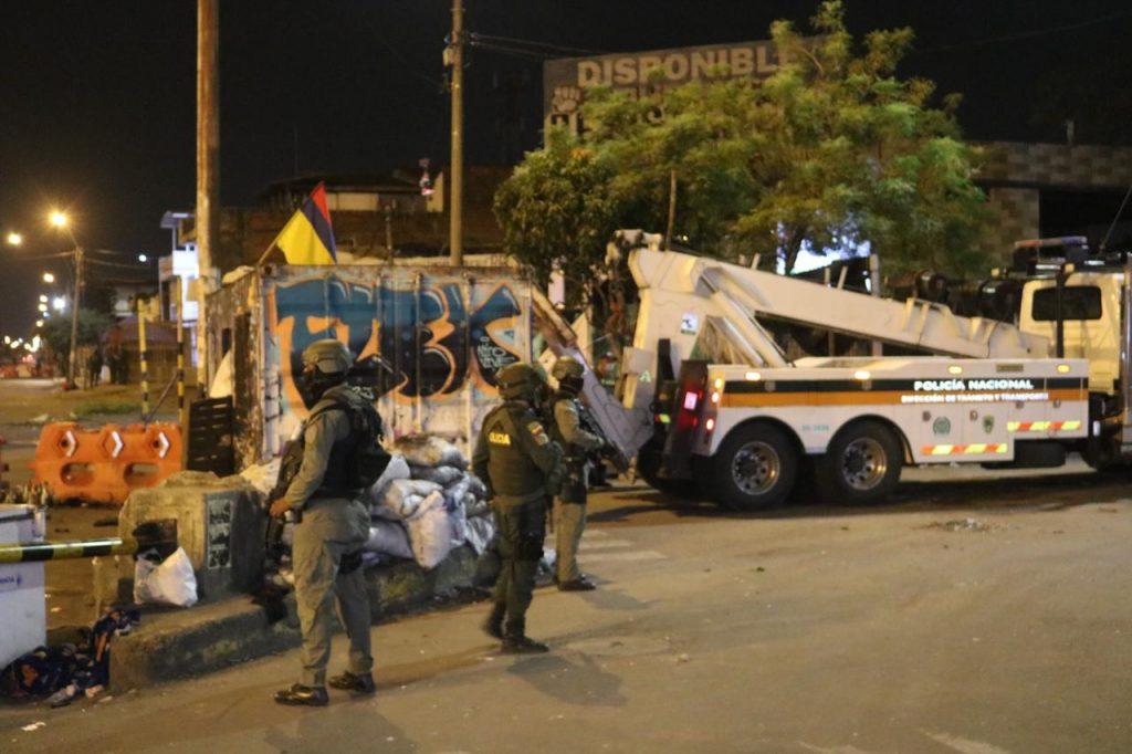 Levantan bloqueo y desmontarán monumento en Puerto Rellena