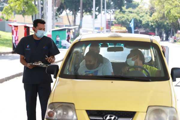Extienden jornada de vacunación para taxistas hasta el 1 de julio