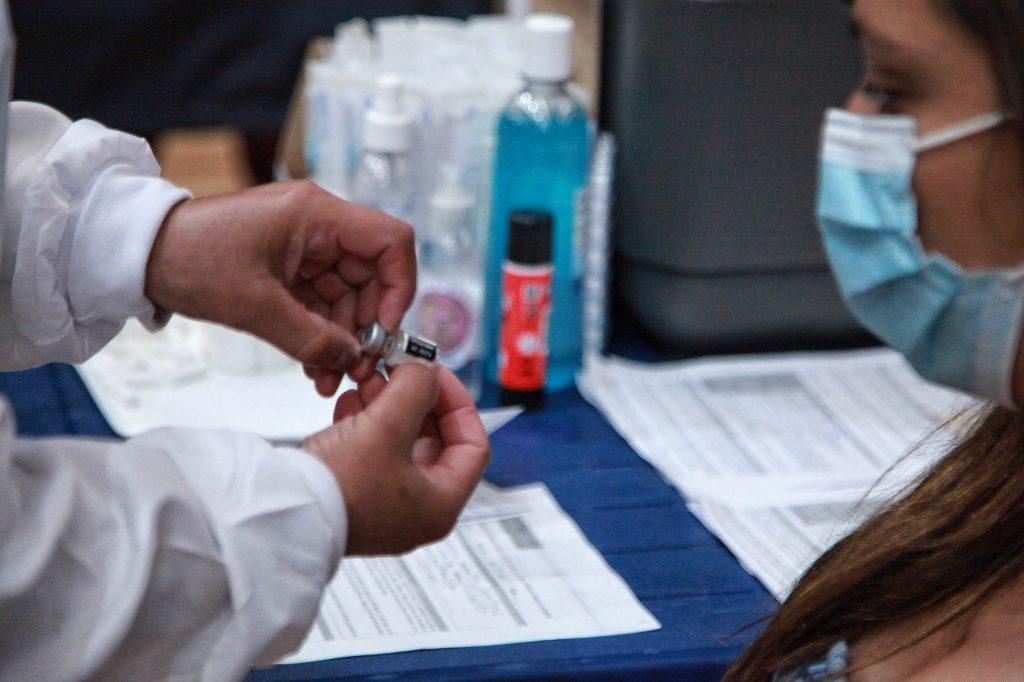 ¿Vacuna Sinovac ameritaría una tercera dosis?