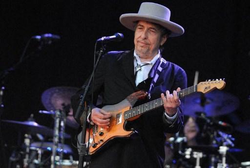 Acusan a Bob Dylan de abusar sexualmente a una niña por seis semanas