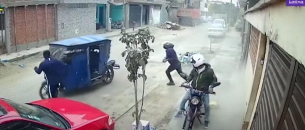 Obreros lanzaron cemento a dos ladrones para frustrar un robo