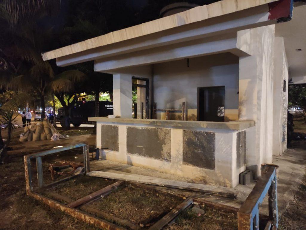 Lanzan bombas incendiarias al CAI de Puerto Rellena
